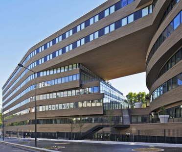 MVRDV, immeuble de bureaux Pushed Slab à Paris