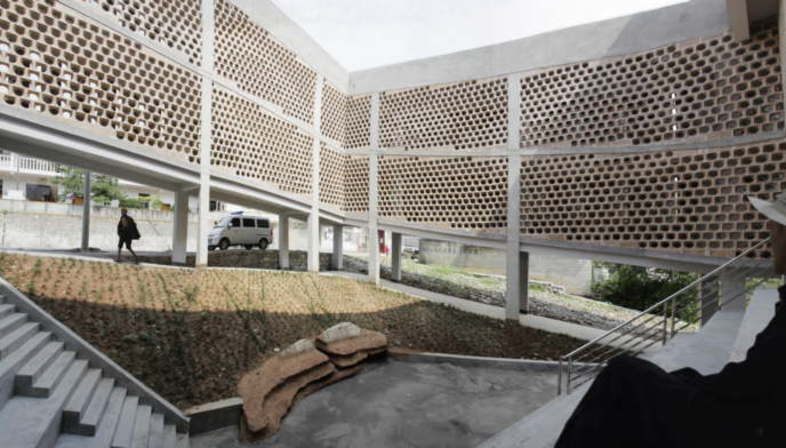 Rural Urban Framework remporte le Curry Stone Design Prize 2015