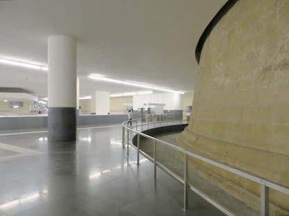 Siza Souto de Moura, Station Municipio, Métro de Naples