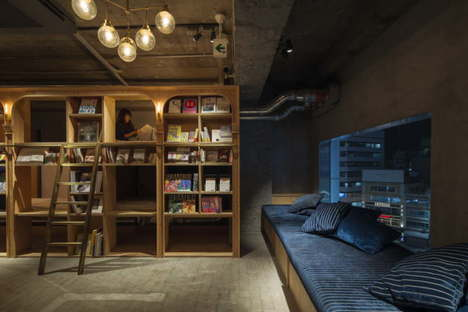 Suppose Design Office : Book and Bed, auberge de jeunesse/bibliothèque à Tokyo