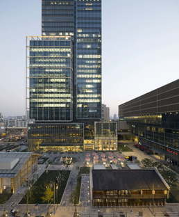 Jing An Kerry Center H.G. Esch, Courtesy of Kohn Pedersen Fox Associates