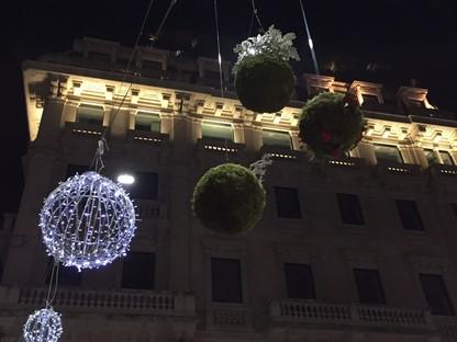 Des architectures de lumière dans les villes en hiver