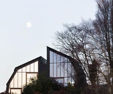 Mole Architects une péniche sur la terre ferme