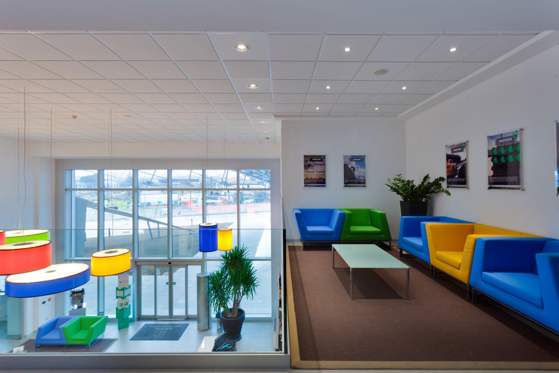 Pierattelli Architetture Arval Headquarters une flèche photovoltaïque à Scandicci
