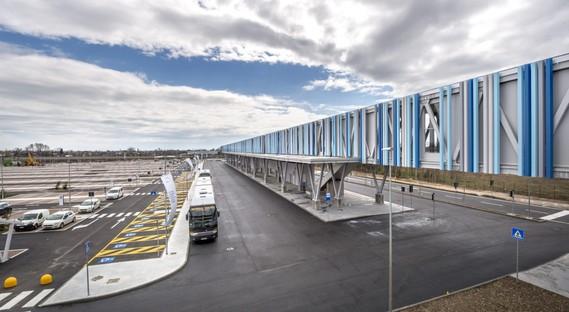FUD Lombardini22 Physical Branding Passerelle piétonne et Hall d'entrée du Trieste Airport