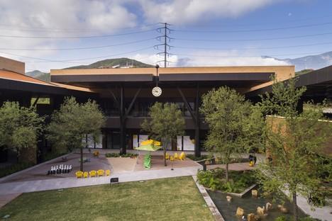 Carranza Ruiz Arquitectura Centre Commercial Pueblo Serena Monterrey Mexique