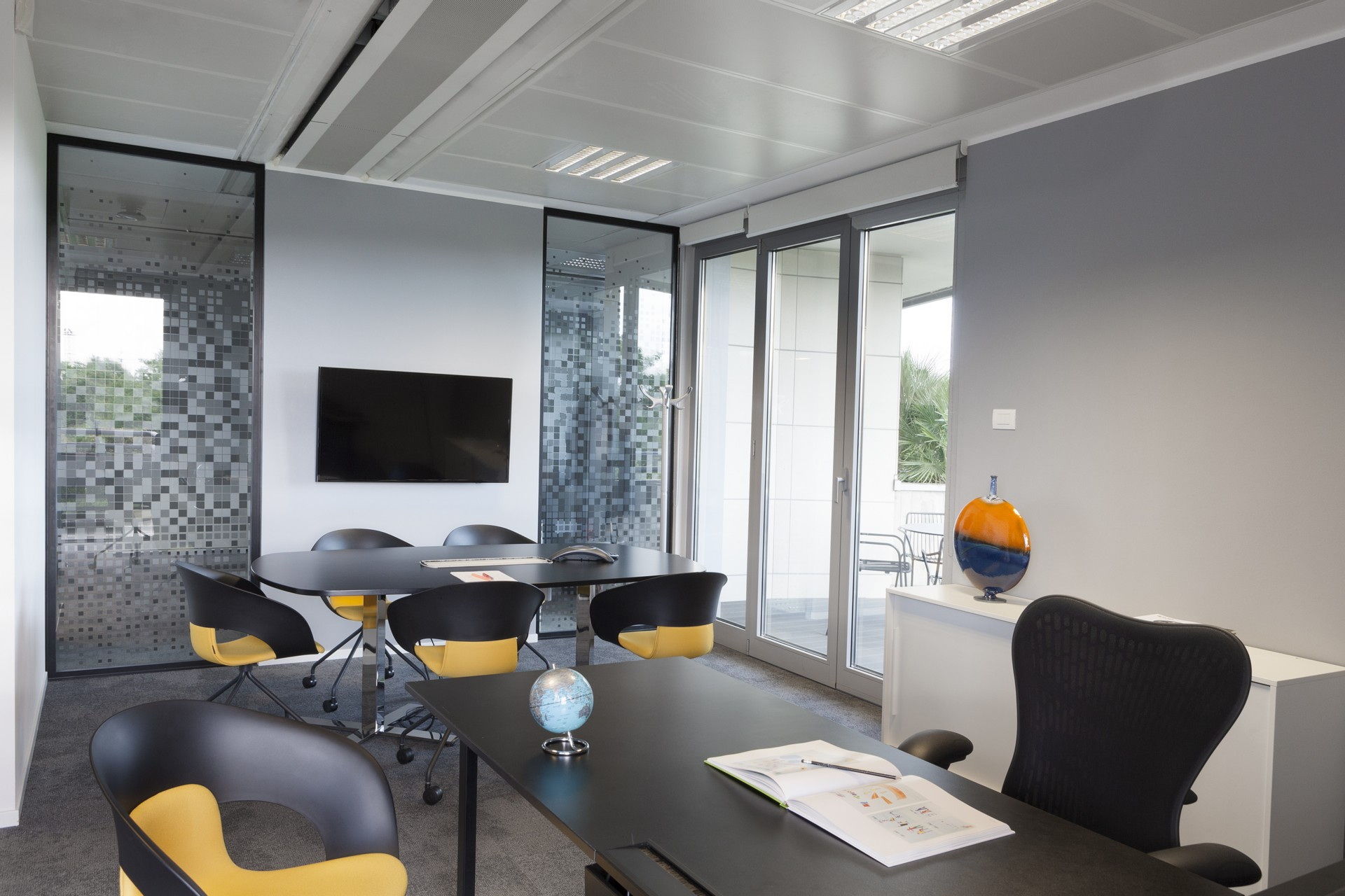 Progetto cmr u massimo roj architects bureaux modernes a milan