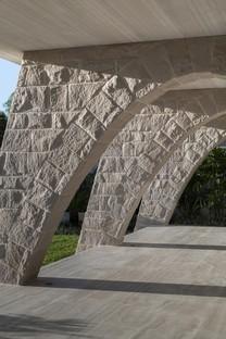 Luigi Rosselli Architects Hill House : un belvédère sur Sydney