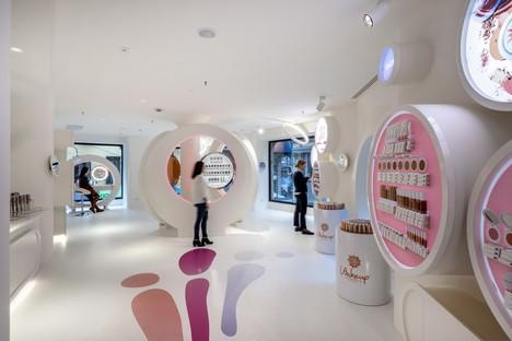 FUD de Lombardini22 a réalisé le nouveau magasin WakeUp Cosmetics à Milan
