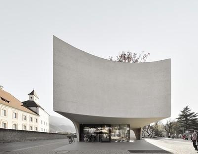 MoDusArchitects TreeHugger un volume sculptural pour l'Office de Tourisme de Bressanone