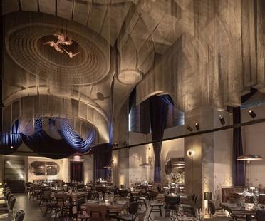 Sculpture de Tresoldi pour Cathédrale - Moxy East Village Hotel projet de Rockwell Group
