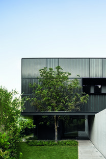 Lissoni & Partners architecture, nature et industrie sur le lac - Fantini Headquarters à Pella