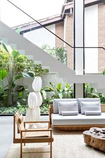 Rua 141 & Zalc Arquitetura Casa NK une maison-refuge sur la côte de São Paulo