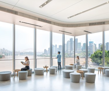 MVRDV NIO House showroom avec un hommage à la ville de Chongqing
