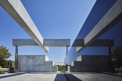 Takeshi Hosaka Architects La tombe de l'église de Kamakura Yukinoshita