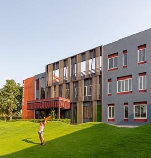 Envisage conçoit le dortoir des filles White Flower Hall pour la Mann School à Alipur, New Delhi