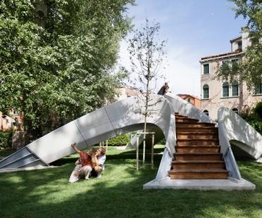 Striatus: un pont en arc en béton imprimé 3D à Venise