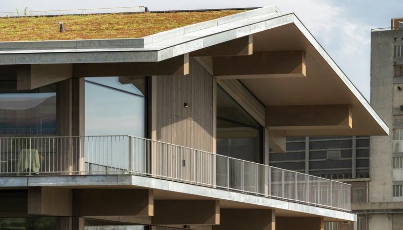 Floating Office Rotterdam, un bâtiment adaptable au climat signé Powerhouse Company