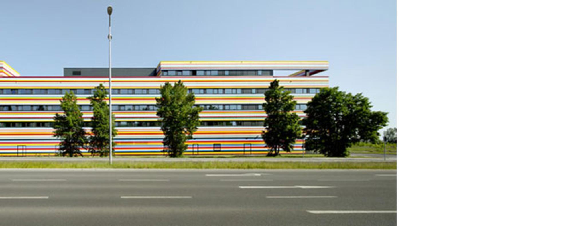 Petersen Architekten Berlin Airport Hotel Floornature