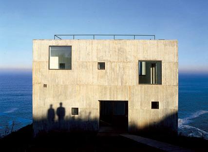 Mauricio Pezo & Sofia von Ellrichshausen, Poli House, Chili