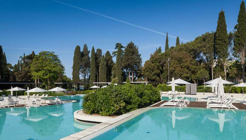Cabinet 3LHD Lone Outdoor Pool dans le parc forestier Golden Cape Rovinj, Croatie