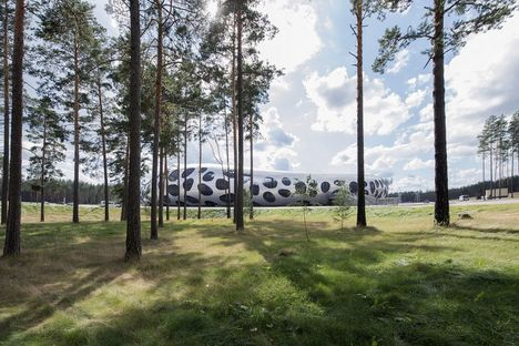OFIS architects et le Football Stadium Arena Borisov (Biélorussie)