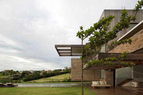 Studio Arthur Casas et la Casa MP de Quinta da Baroneza à São Paulo