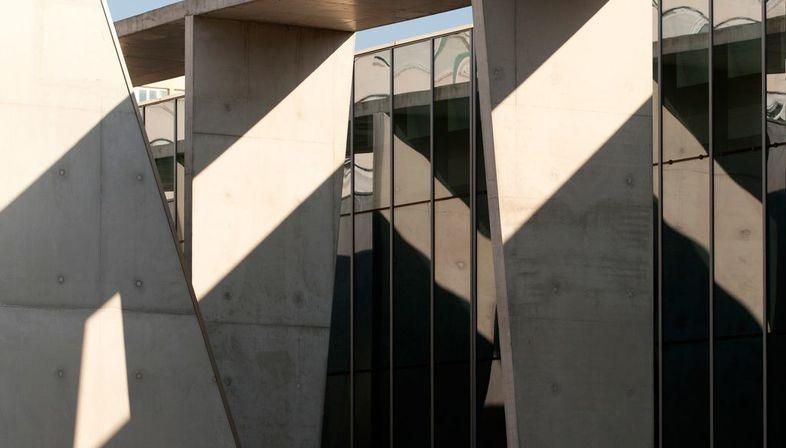 dominique coulon restructure la piscine municipale de bagneux pr s de paris floornature. Black Bedroom Furniture Sets. Home Design Ideas