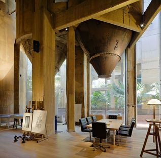 Ricardo Bofill et son cabinet dans une ancienne cimenterie : la Fàbrica
