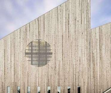 Reiulf Ramstad Arkitekter (RRA) réalise l'église communautaire de Knarvik