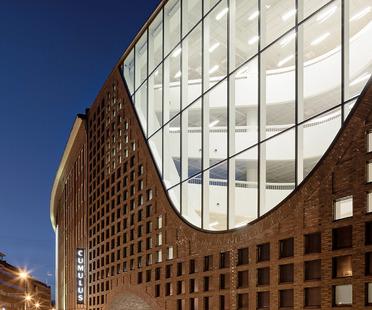 Anttinen Oiva et la Helsinki University Main Library (Kaisa house)