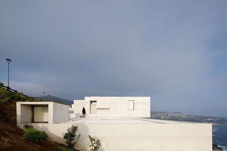 Mardones signe la MO house à Zapallar (Chili)