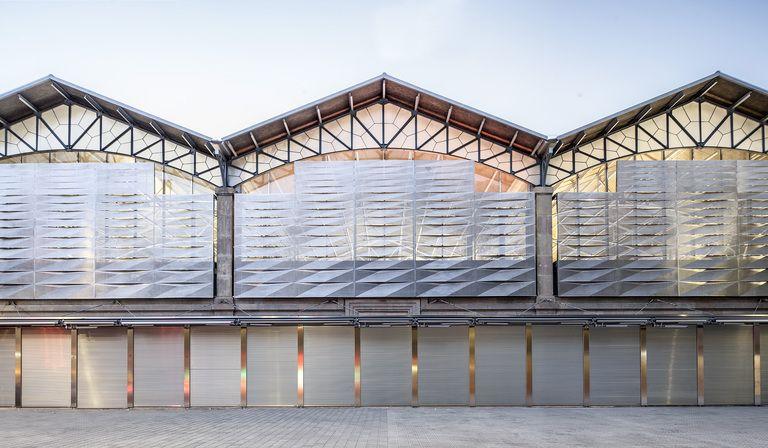 Mateo Arquitectura riqualifica il mercato del Ninot a Barcellona