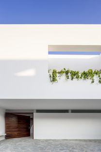 Cota Paredes Arquitectos : Casa V à Guadalajara (Mexique)