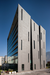 Tour San Pedro de RDLP Arquitectos (Mexique)
