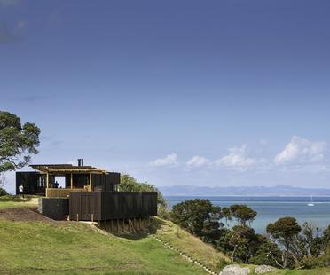 Castle Rock House : une maison de bord de mer au nord d'Auckland signée Herbst Architects