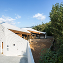 y+M réalise la maison « folding wall - stepped floor » à Naruto City (Japon)