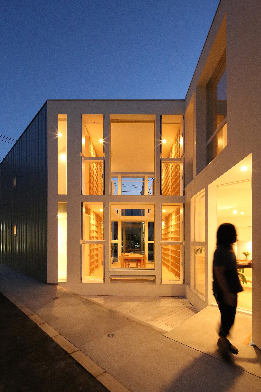 Takuro Yamamoto Architects : la maison aux 30 000 livres de Tokyo