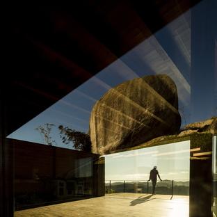 Marcio Kogan du cabinet mk27 réalise une maison à Catuçaba