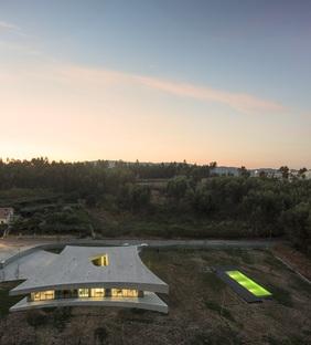 La Casa Cabo de Vila de Spaceworkers à Paredes (Portugal)