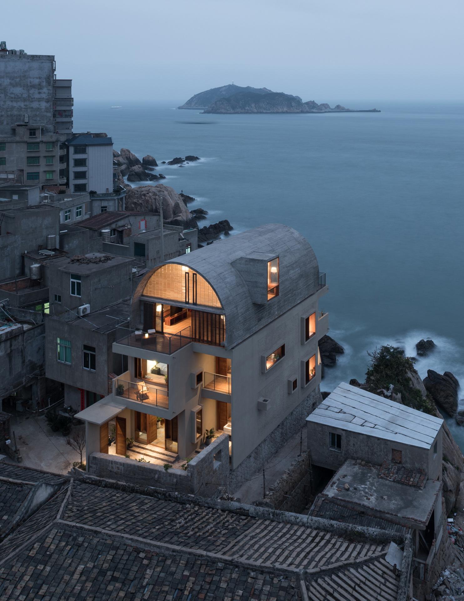 Vector Architects: restructuration de la maison du Capitaine