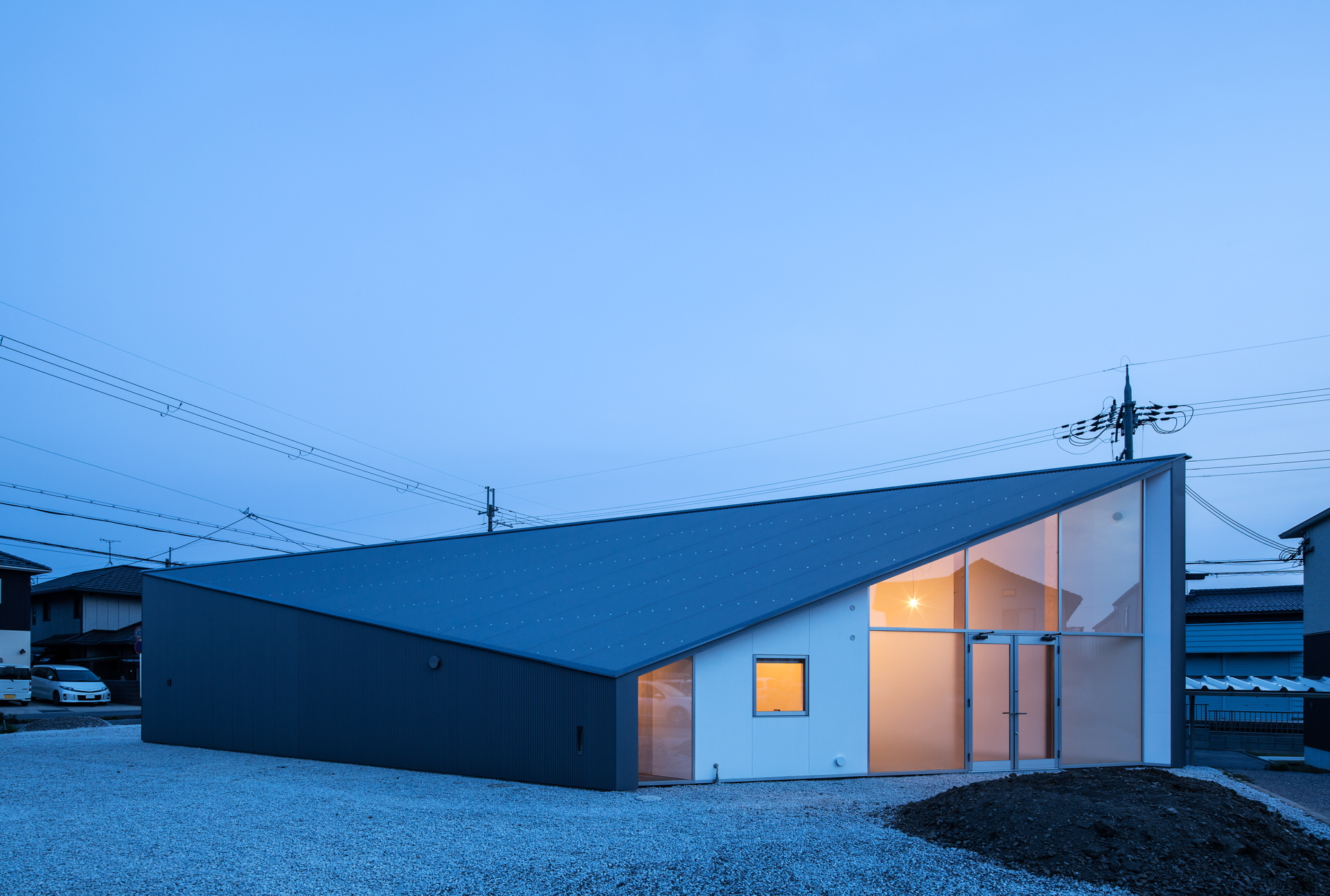 Alphaville signe Skyhole, une maison/atelier d'artistes