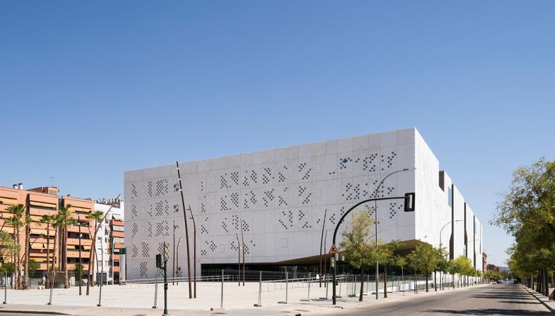 Mecanoo + AYESA signe le palais de justice de Cordoue