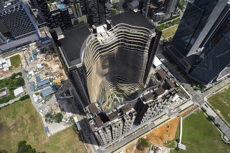Le cabinet Ingenhoven architects signe le Marina One à Singapour