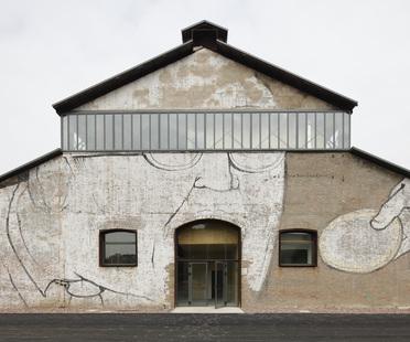 Andrea Oliva : technopôle de recherche dans les anciennes Officine Reggiane