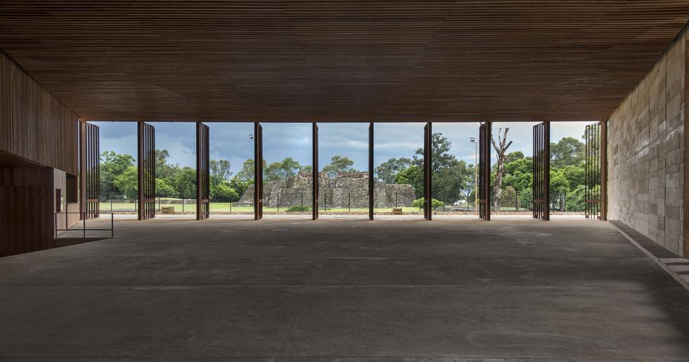 Isaac Broid + PRODUCTORA : Teopanzolco Cultural Center, Cuernavaca