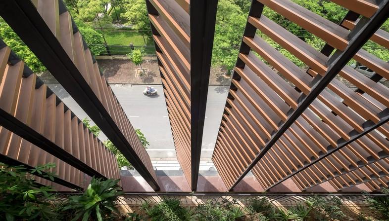 H&P Architects : maison-tube et « caverne tropicale » au Vietnam