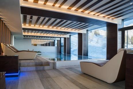 D73 signe les espaces intérieurs de l'hôtel Il Re delle Alpi à La Thuile dans la Vallée d'Aoste