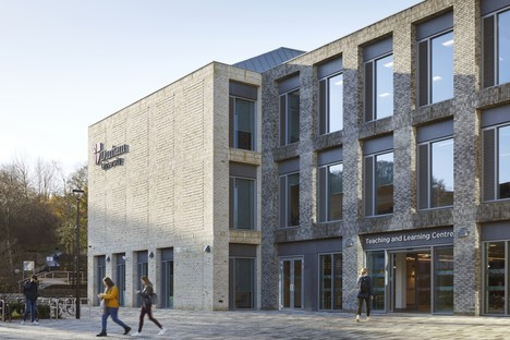 FaulknerBrowns signe le Lower Mountjoy Teaching and Learning Centre