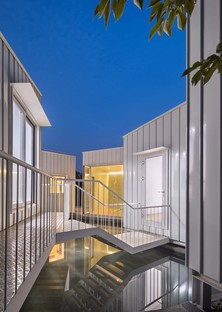 Floating Cubes de Younghan Chung Architects